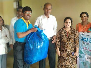 Distribution of clothes ashrama